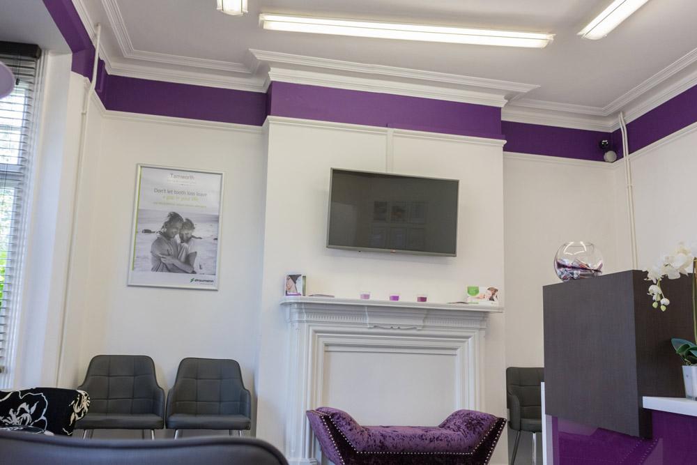 Tamworth-Dental-waiting-room-seating-area